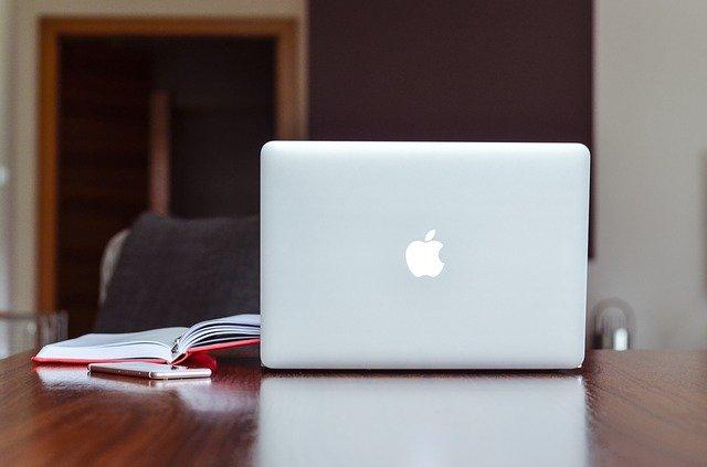 MacOS masaüstü arka plan resmi nasıl değiştirilir?