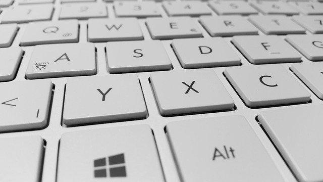 Klavye ile şapkalı A (Â/â) nasıl yazılır?
